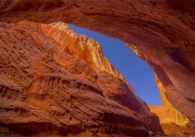 不必飞去美国,新疆就有一处绝美的羚羊峡谷