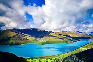摄图网_500274936_banner_广袤无垠的西藏羊卓措湖(企业商用)