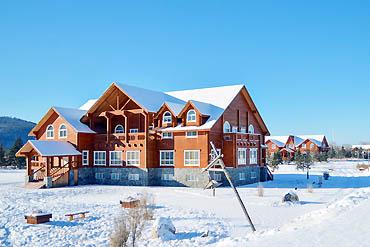 摄图网_501051170_banner_北极村俄式建筑(企业商用)